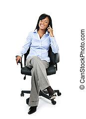 mujer de negocios, silla, teléfono, oficina, sentado