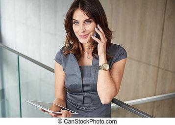 mujer de teléfono, moderno, tableta, digital
