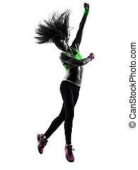 mujer, ejercitar, condición física, zumba, bailando, saltar, silueta
