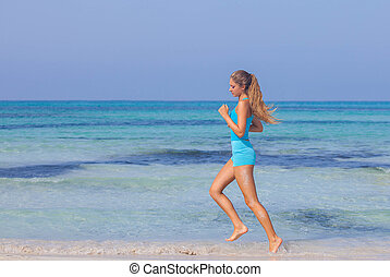 mujer, ejercitar, en, playa, costa