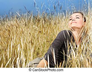 mujer, el gozar, en, el, campo de trigo