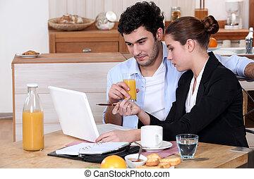 mujer, ella, encima, trabajo, yendo, durante, desayuno, ...