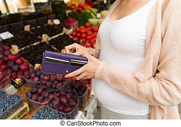 mujer, embarazada, alimento, billetera, mercado, compra