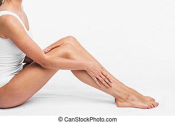 Cuerpo mujer ropa interior ni a sentado belleza piel tacto blanco modelo pierna - Fotografias de mujeres en ropa interior ...