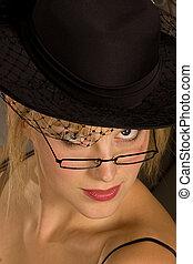 mujer, en, hat.