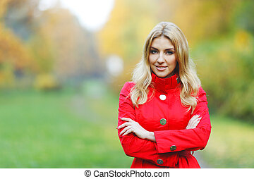 mujer, en, otoño, parque