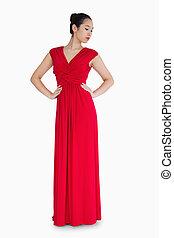 mujer, en, rojo, vestido de la tarde