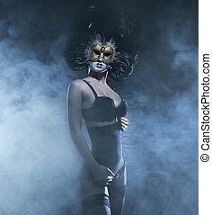 mujer, encima, máscara, joven, oscuridad, atractivo, plano...
