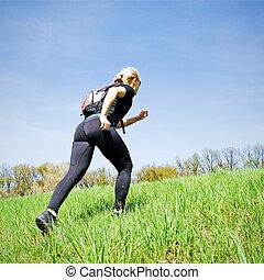 mujer, entrenamiento, accionar caminar