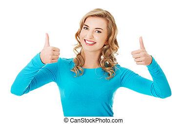mujer feliz, con, aprobar, señal de mano