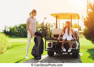 mujer, golf, ella, club, carrito, luego, mientras, tronco,...