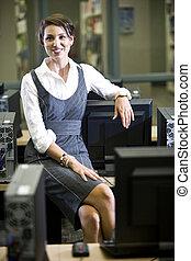 mujer, habitación, sentado, joven, biblioteca, computadora