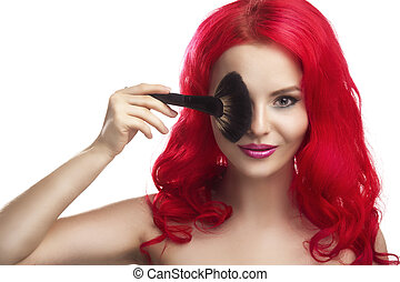 mujer hermosa, con, pincel de maquillaje
