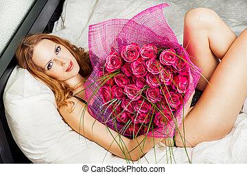 mujer hermosa, con, rosas rojas
