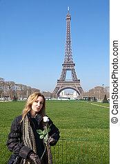 mujer hermosa, d'eiffel., joven, contra, paris., francia, viaje
