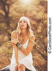 mujer hermosa, joven, moda, ocaso, backlit, retrato