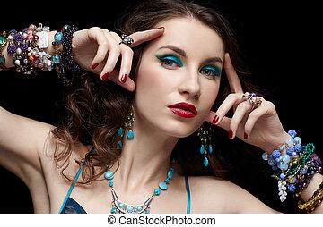 mujer hermosa, joyas