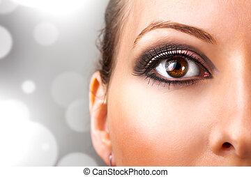 mujer hermosa, maquillajespara ojos