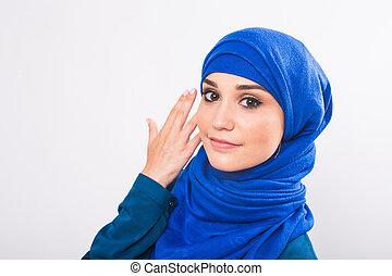 mujer hermosa, musulmán, posar, asiático, plano de fondo, estudio, modelo, blanco