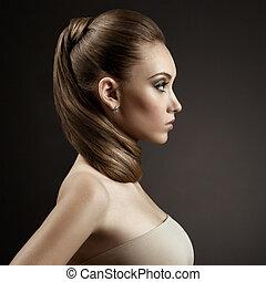 mujer hermosa, portrait., pelo marrón largo