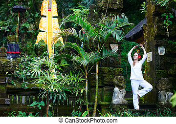 mujer hermosa, practicar, yoga