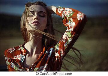 mujer hermosa, revelado, joven, pelo, sensual