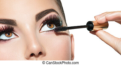 mujer hermosa, ser aplicable, ella, latigazos, maquillaje, largo, rímel, eyes., closeup.