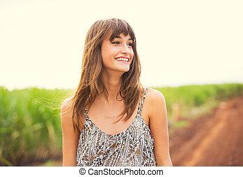 mujer hermosa, sonriente, reír, moda, estilo de vida