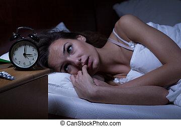mujer, insomne, acostado, cama
