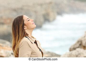 mujer, invierno, aire, respiración, fresco, playa