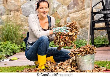 mujer, jardinería, hojas, cubo, quehacer doméstico,...