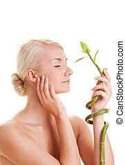 mujer, joven, bambú, hermoso, planta