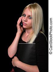 mujer joven, en, el, teléfono celular