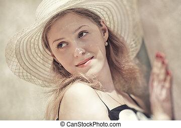 mujer joven, en, un, sombrero, retrato