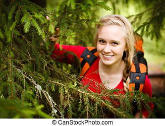 mujer joven, excursionista, paliza, debajo, un, árbol