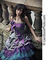 mujer joven, llevando, hermoso, vestido