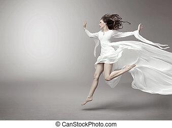 mujer joven, llevando, moderno, vestido