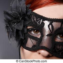 mujer joven, máscara pesada