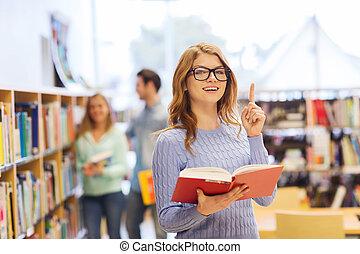 mujer, libro de la biblioteca, estudiante, niña, o, feliz