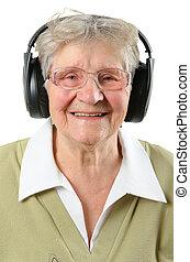 mujer mayor, aislado, blanco, auriculares