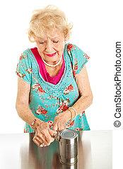 mujer mayor, con, artritis, dolor