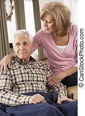 mujer mayor, cuidar, enfermo, marido