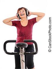 mujer mayor, música, girar, escuchar