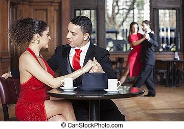 mujer, pareja, amaestrado, joven, tango, mientras, fechando, hombre