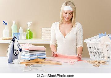 mujer, plegadizo, -, planchado, lavadero, ropa