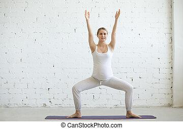 mujer, postura, embarazada, yoga., joven, prenatal, sumo,...