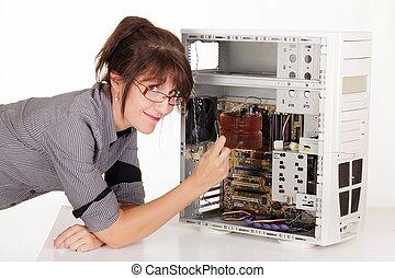 mujer, reparación, computadora
