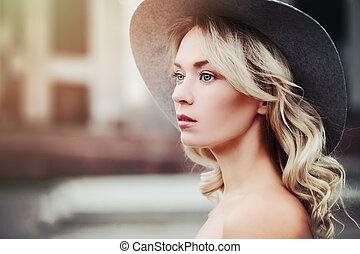mujer sana, outdoors., belleza, retrato