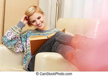 mujer, sillón, joven, libro, hogar, lectura, feliz