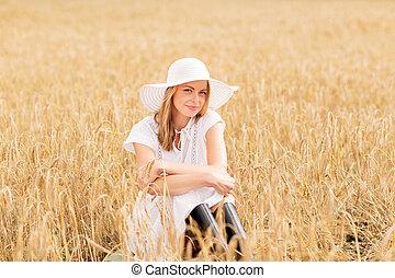 mujer, sol, joven, campo, cereal, sombrero, feliz